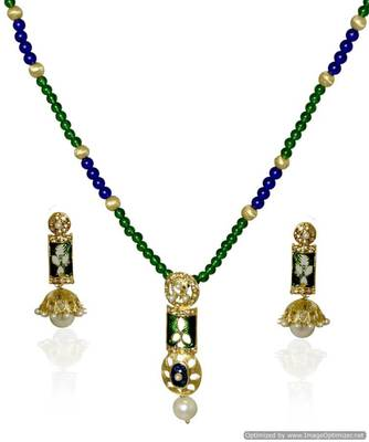 Kshitij Green Heavenly Pendant Necklace Set