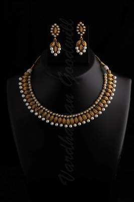 white pearl moti chokar necklace set vgnl 513