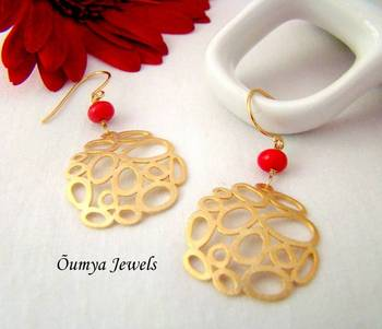 Golden red multicircle earrings