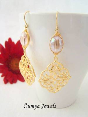 Oriental earrings with light pink crystal